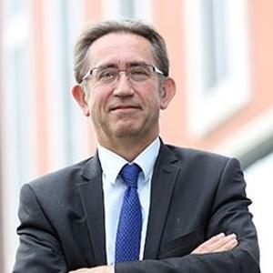 David Mansfield (Executive Headmaster at Y.K. Pao School)